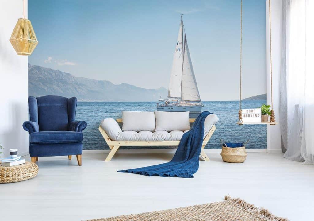 Fototapete Meer und Segelboot im maritimen Wohnzimmer