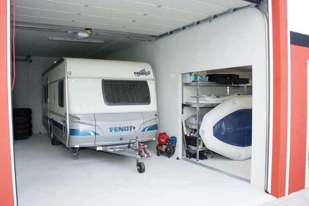 Fertiggaragen für das sichere Abstellen von Wohnmobilen, Campern und Wohnwagen